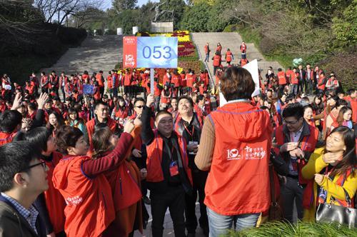 """珀莱雅十周年盛典 传递""""美与梦想""""正能量"""